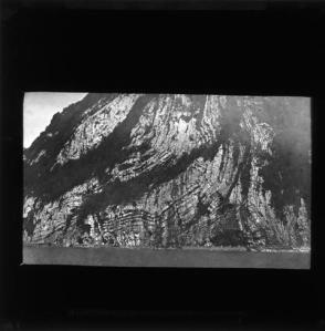 LDGSL/1088/AC/OT/20Black and white photograph of an unknown geological feature, by Ananda Kentish Coomaraswamy, [1890s-1900s].