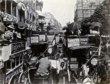 Traffic in Piccadilly