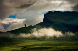 800px-The_Storr_Isle_of_Skye_2003