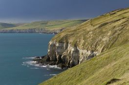 800px-View_west_from_above_fishermans_ledge_purbeck