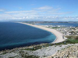 800px-Chesil_Beach_in_Dorset
