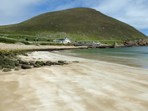 Beach on Hirta ( © Jon Allan)