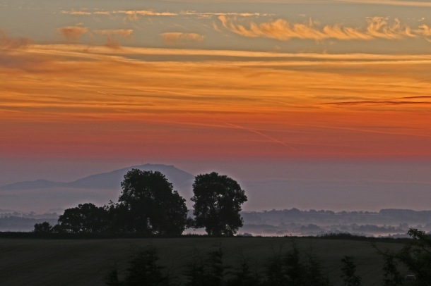 The Wrekin, sunrise from Pulverbatch c Jackie Tweddle (2)