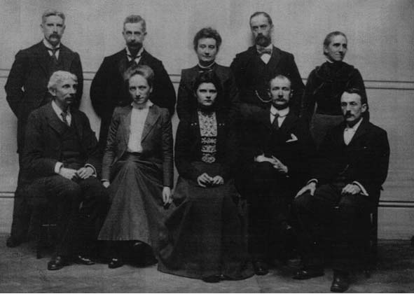 The Principal, art professor and science staff of Bedford College, 1903. Catherine Raisin standing far right. From 'The role of women in geological higher education', GSL Special Publications 2007 vol. 281 no. 1 9-38