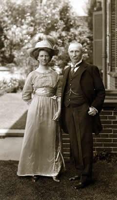 Lady Rachel Workman MacRobert & Sir Alexander MacRobert on their wedding day